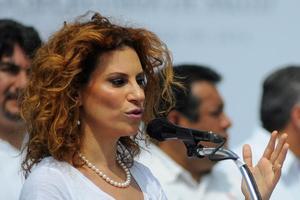 Rechazan amparo a Karime Macías; podrá ser extraditada y detenida