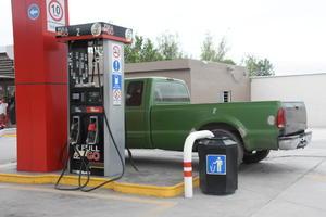 Descartan baje el precio de la gasolina sin los subsidios en Monclova