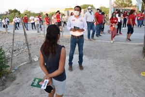 Toca puertas Hugo Lozano en San Buenaventura