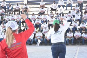 Refrendan su apoyo obreros de AHMSA a Lupita Murguía en Monclova