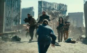 Dave Bautista y Ana de la Reguera de la mano con Zack Snyder