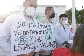 Médicos privados se manifiestan en Guanajuato; exigen vacuna