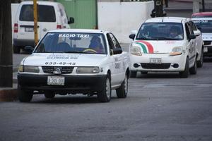 Le huyen taxistas alexamen toxicológico
