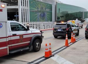 Cierran aeropuerto de San Antonio por tiroteo