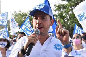 Acusa dirigente del PAN a AMLO de amedrentar al INE y politizar vacunas