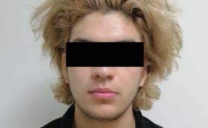 Lo investigan por pleito y descubren que era buscado por feminicidio