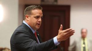 Exsenador floridano se declara no culpable en caso de 'candidato de paja'