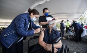Cuándo y dónde se podrán vacunar las personas rezagadas en CDMX