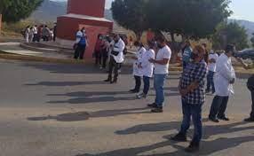 Médicos privados de la Sierra Sur de Oaxaca exigen ser vacunados