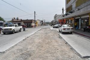 Destruyen pavimento hecho de mala calidad en Castaños
