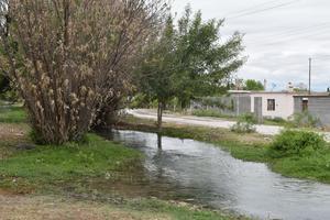 Agua, salud y educación; carencias de San Isidro