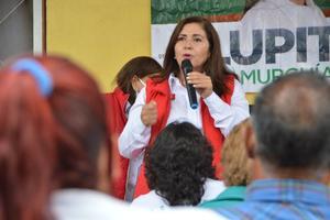 Unidades móviles de Salud promete Lupita Murguía en Monclova