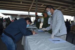 Así se lleva a cabo la vacunación a maestros de la Región Centro
