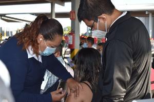 Rechazan maestros vacuna: no impartirán clases: SE