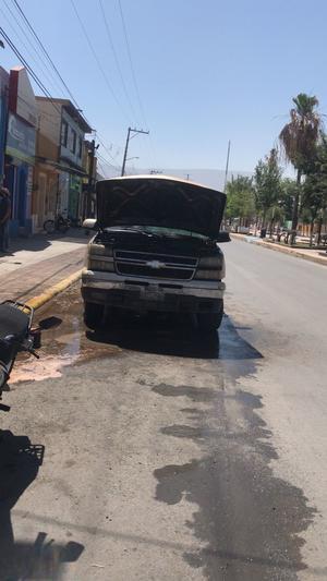 Se incendia camioneta en Monclova