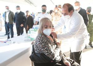 Inicia con éxito el proceso de vacunas al sector educativo