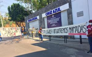 Aficionados de Cruz Azul se manifiestan en La Noria