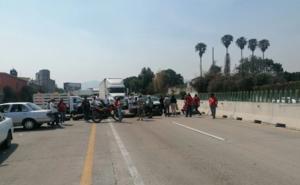 Cierran autopista y varias avenidas en demanda de agua en Morelos