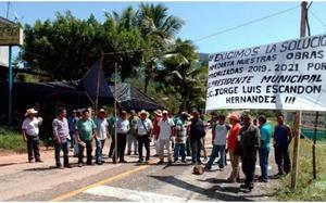 Detienen a 40 indígenas tzeltales por causar destrozos en empresa