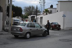 Veloz conductora causa percance en Monclova
