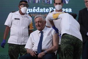 AMLO: He tenido 'muy poca reacción', dice tras ser vacunado