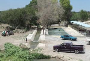 Frenado el estudio por la falta de agua de las 'pompas' en Castaños
