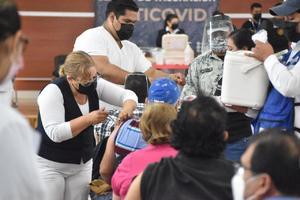 Programan vacunación en mayo para los de 50 y más de la Región Centro