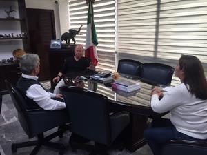 Candidata el PRI se reúne con el director de AHMSA