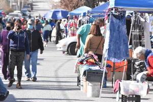 Desempleados de Monclova se refugian en el comercio informal