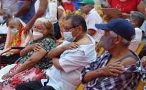 'Son días de esperanza', dicen adultos mayores del Istmo