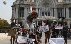 Protestan alumnas de la Academia de la Danza Mexicana