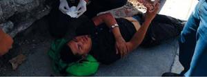 Derrapa motociclista en la Pedregal; se abre la cabeza