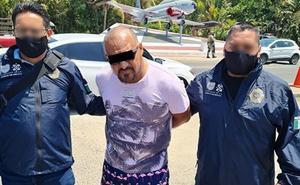 Detienen a expolicía acusado de liderar banda narcomenudista