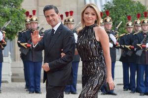Revelan 'cuerno' de Enrique Peña Nieto a Angélica Rivera