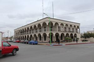 Causarán baja 20 empleados de presidencia cada 15 días en Frontera