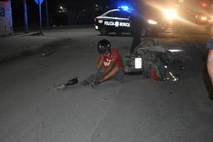 """""""Tumban"""" a motociclista discapacitado en Monclova"""