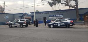 Subdirectora de Tránsito de Monclova huye al ser cuestionada sobre el caso del niño Yusel