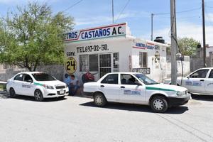 Ignoran autoridades del transporte a taxistas de Castaños