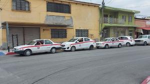 Sufren taxistas por la falta de clientes en Frontera