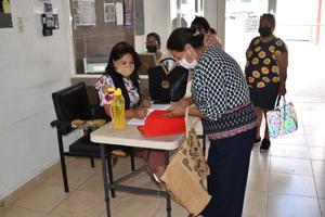 Registra por su cuenta presidencia de Castaños a los adultos para vacunarse contra el COVID-19
