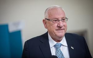 Rey jordano hace inusual llamada a presidente israelí por trágica estampida