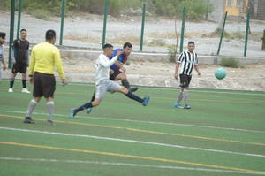 Los master en acción futbolera