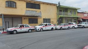 Campaña de revisión a taxistas de Frontera
