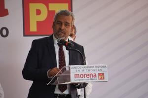 Alfredo Ramírez se registra como candidato a gobernador de Michoacán