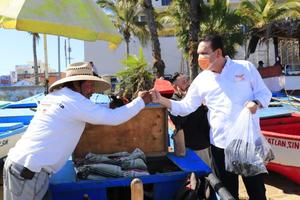 Sergio Torres Félix promete recuperar al sector pesquero en Sinaloa
