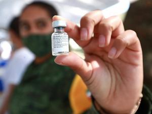 Inicia vacunación COVID-19 a personas de 50 a 59 años en 4 alcaldías