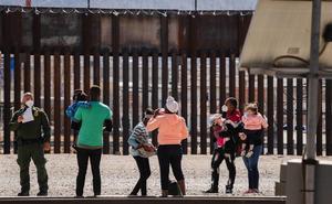 EU comienza a reunir familias separadas durante mandato del presidente Donald Trump