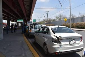 Fuerte accidente en Monclova deja una persona lesionada y cuantiosos daños