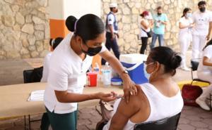 Vacunación en Guerrero se desarrolla de manera exitosa: Astudillo