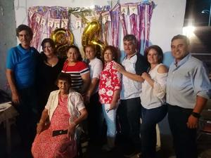 María Elisa festejó su cumpleaños 86